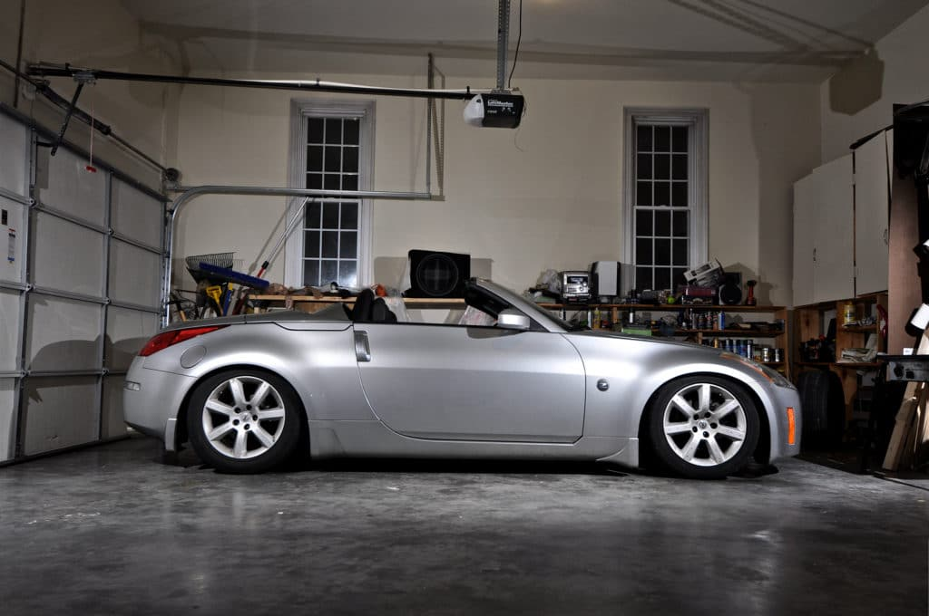 Lowered 350z on Coilovers