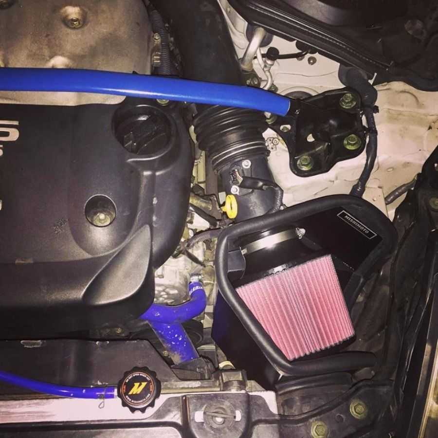 Mishimoto's MMAI 350z Cold Air Intake System Installed
