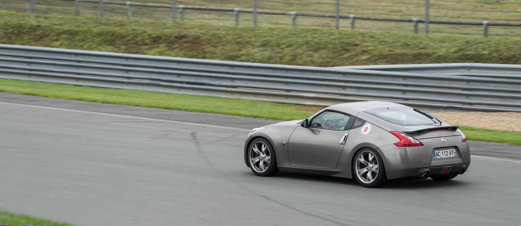 350z vs 370z Comparison: What Is the Difference?   Low Offset