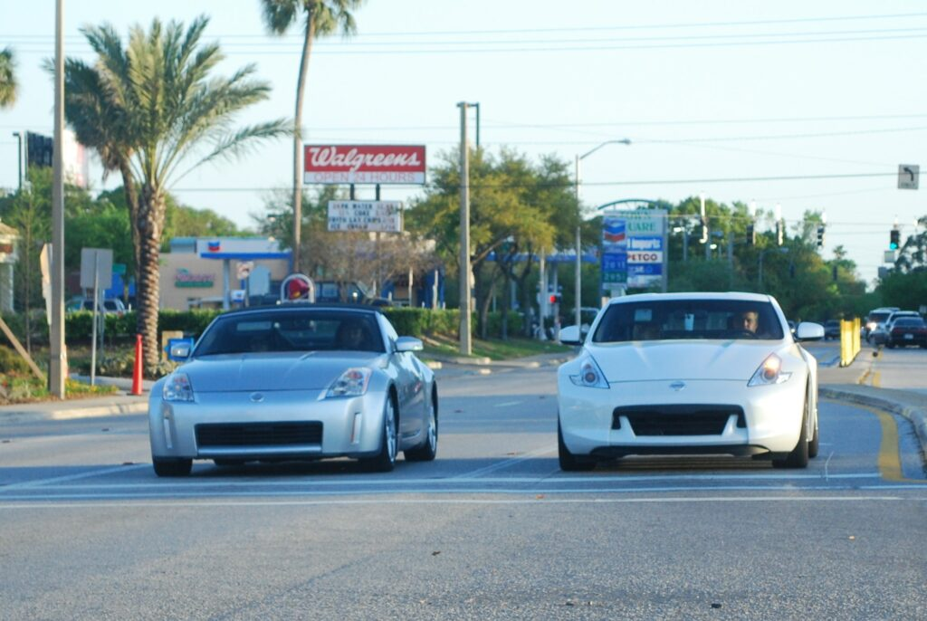 350z vs 370z Comparison: What Is the Difference? | Low Offset