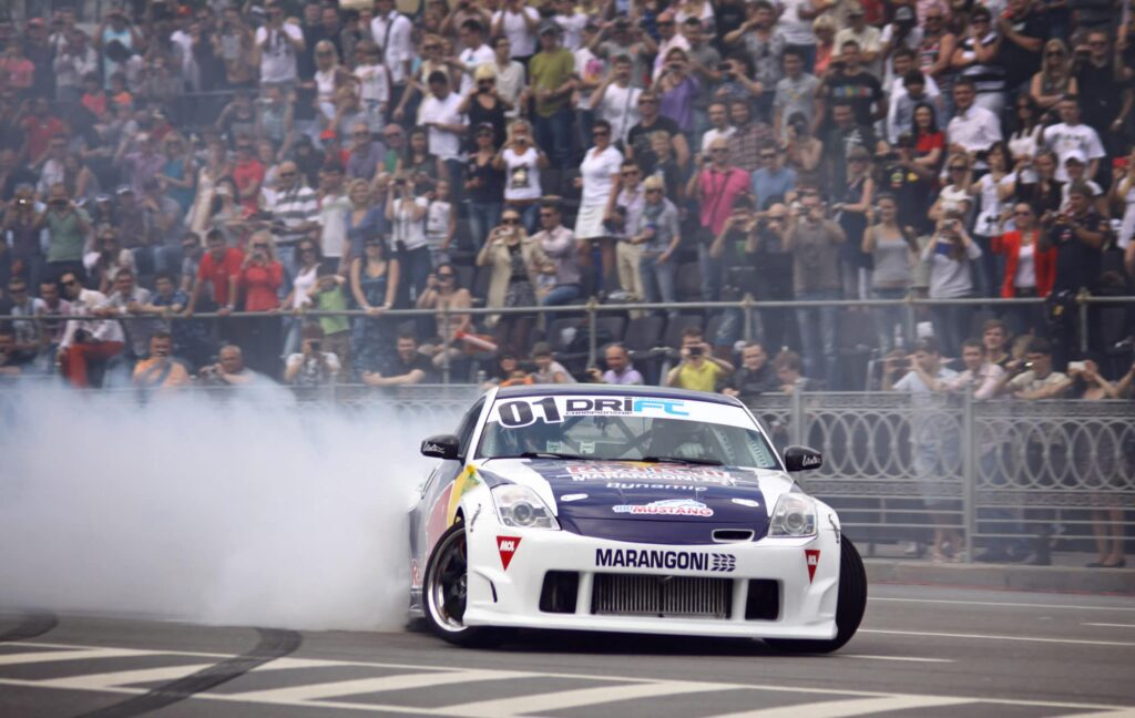 Modified Nissan 350z drifting