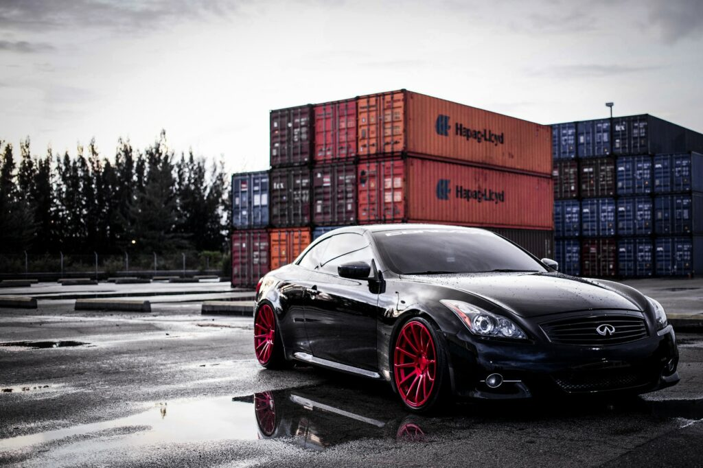 Infiniti G37 Coupe modified with coilovers