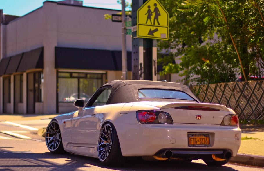Honda S2000 with rolled fenders
