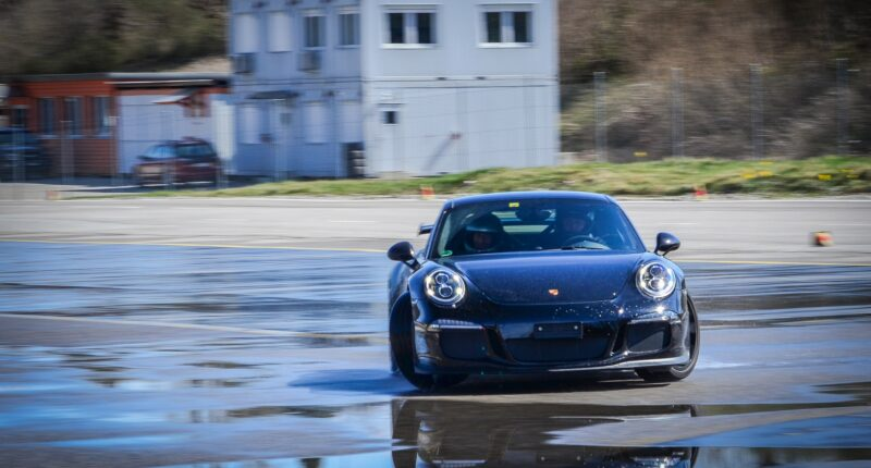 Snap oversteer explained