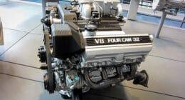 Toyota's 1UZFE 4L V8 engine